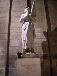 Santa Joana d'Arc, Notre-Dame